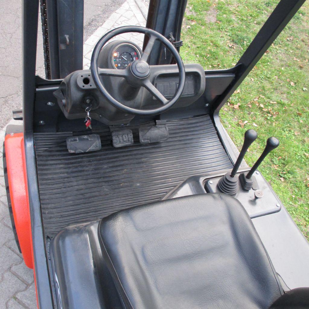 Linde-H30D-Dieselstapler-www.efken-stapler.de