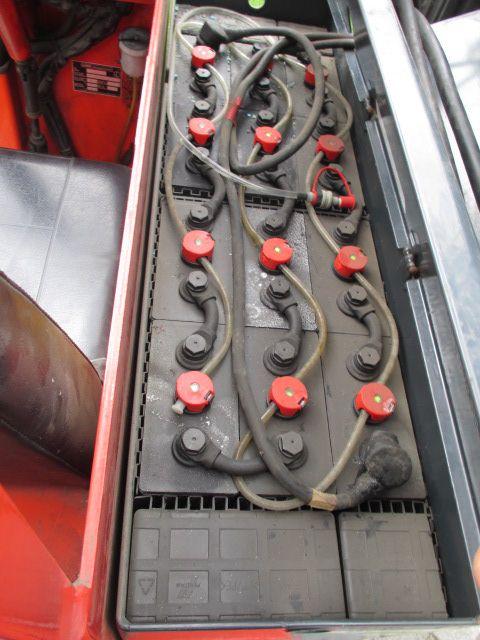 Linde-R12-Schubmaststapler-www.efken-stapler.de