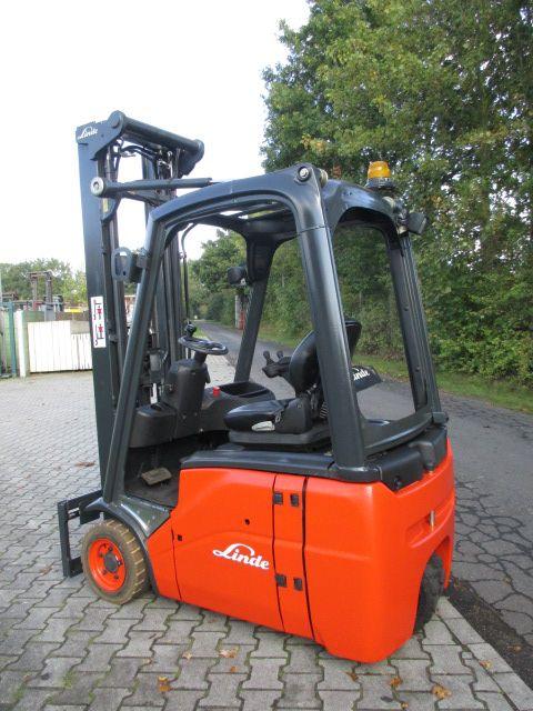Linde-E16C0-1-Elektro 3 Rad-Stapler-www.efken-stapler.de