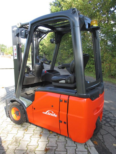 Linde-E14-01-Elektro 3 Rad-Stapler-www.efken-stapler.de