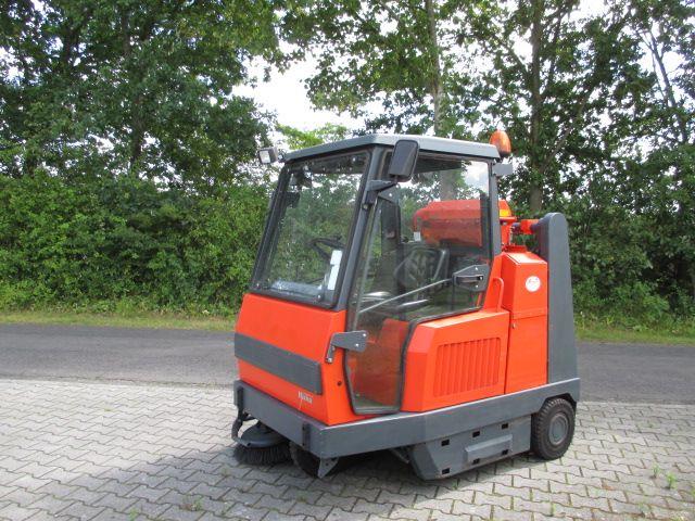 Hako-Jonas 1100-Kehrmaschinen-www.efken-stapler.de