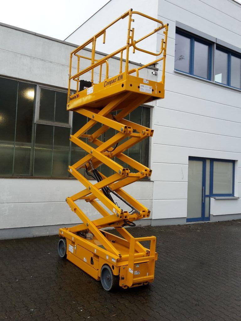 Haulotte-Compact 10N-Scherenarbeitsbühne www.ehlers-stapler.de
