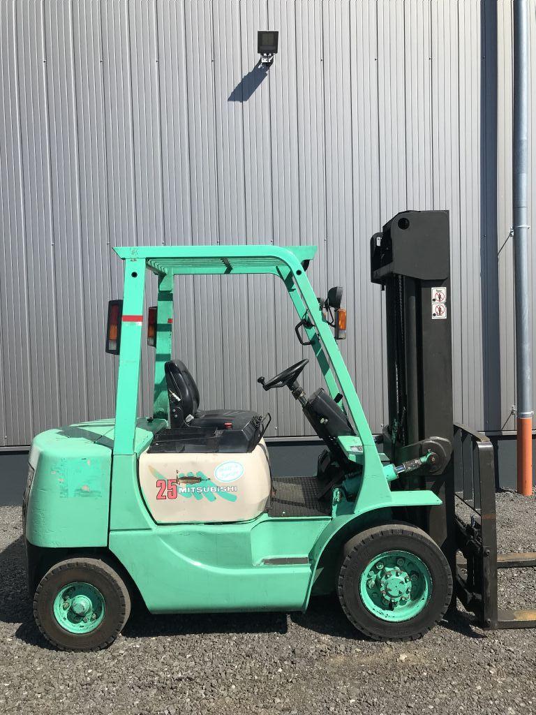 Mitsubishi-FD 25-Dieselstapler-http://www.emslift.de