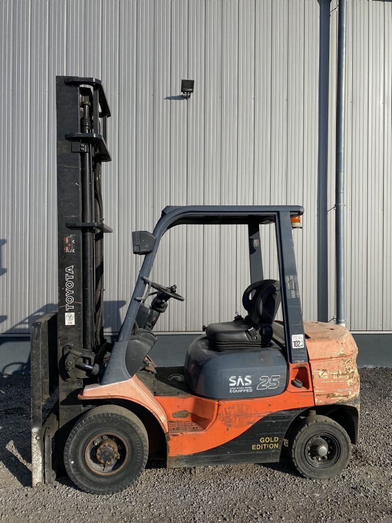 Toyota-FDF 25-Dieselstapler-http://www.emslift.de