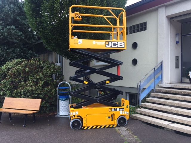 JCB-S1930-Scherenarbeitsbühne-www.eo-stapler.de