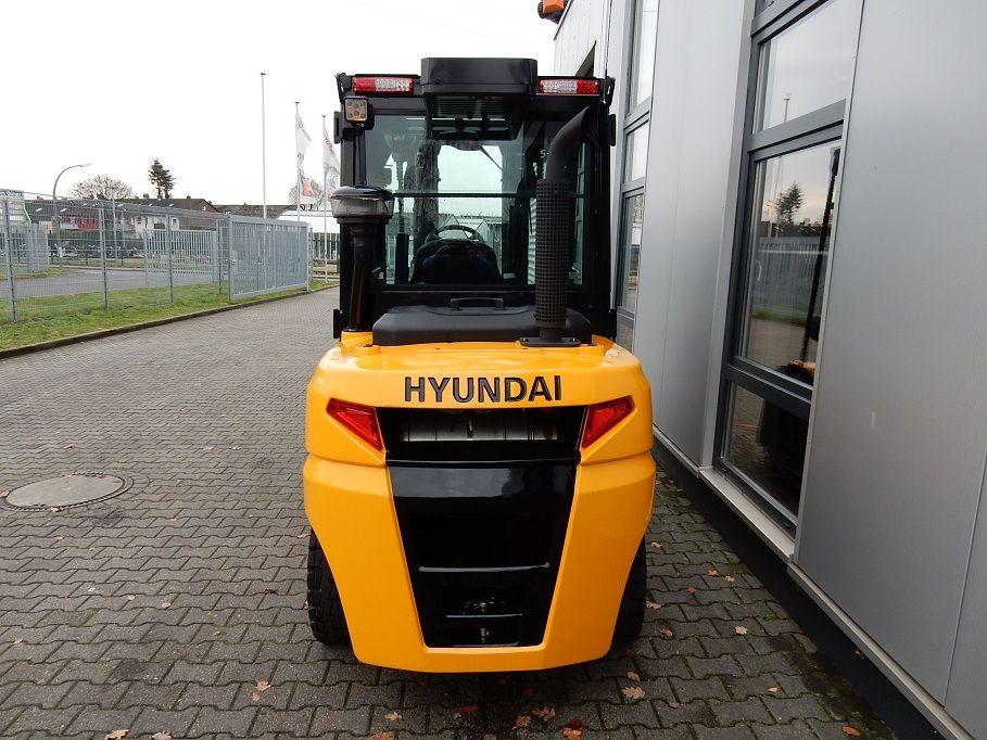Hyundai-50DA-9-Dieselstapler-www.eundw.com