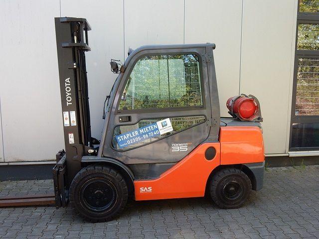 Toyota-06-8FGJ35F-Treibgasstapler-www.eundw.com