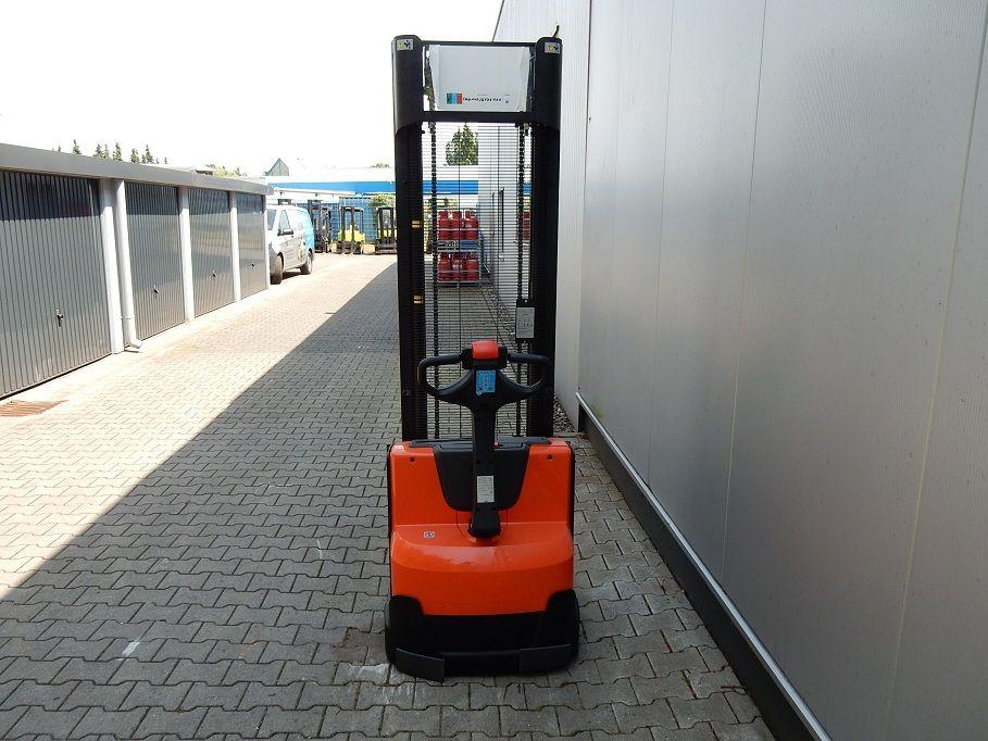 BT-SWE140-Hochhubwagen-www.eundw.com
