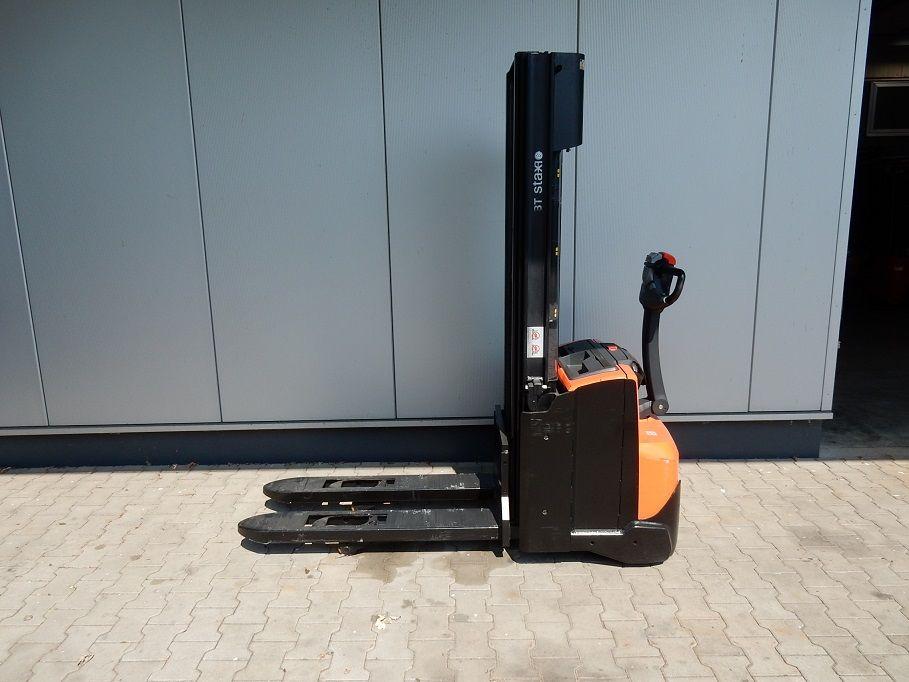 BT-SWE120L-Deichselstapler-www.eundw.com