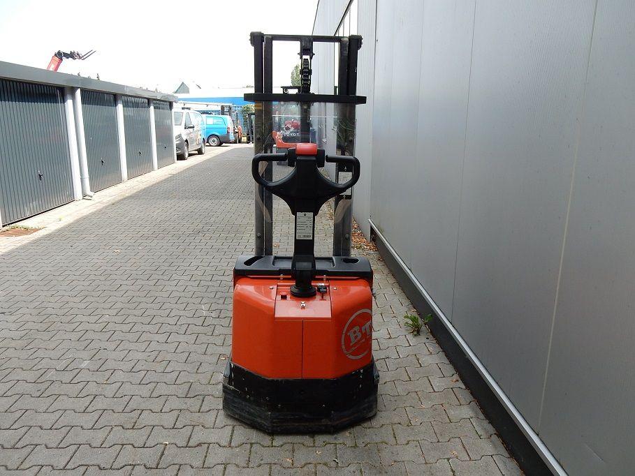BT-SWE100-Deichselstapler-www.eundw.com