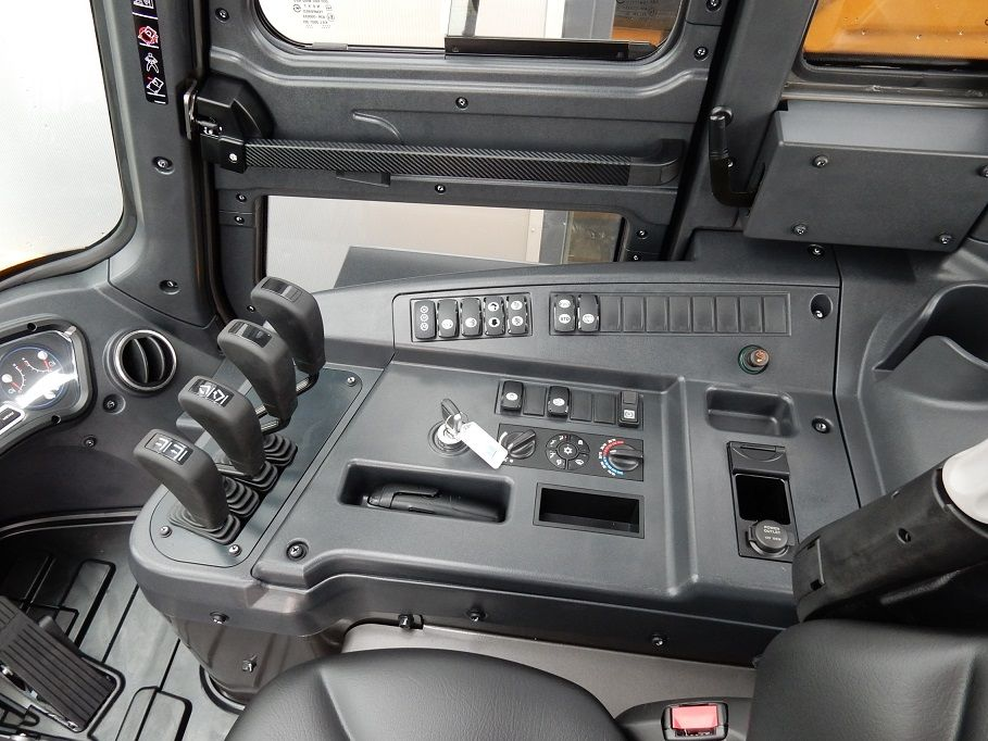 Hyundai-80D-9-Dieselstapler-www.eundw.com