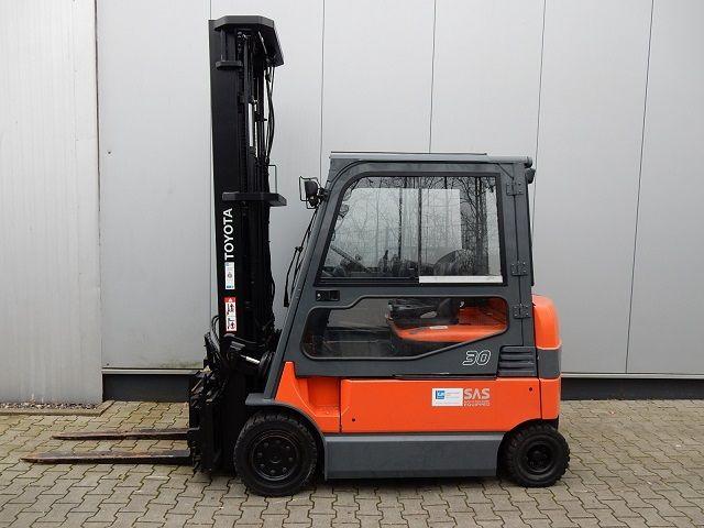 Toyota-7FBMF30-Elektro 4 Rad-Stapler-www.eundw.com