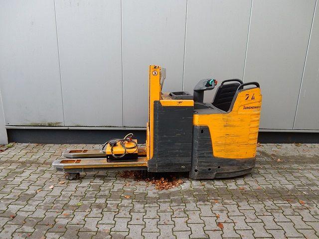 Jungheinrich-ERD220-Doppelstockstapler-www.eundw.com