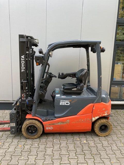 Toyota-8FBMT20-Elektro 4 Rad-Stapler-www.eundw.com