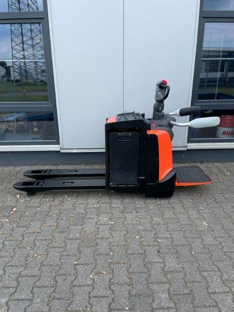 BT-LPE220-Niederhubwagen-www.eundw.com