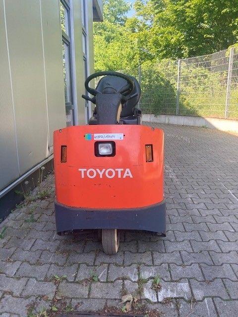 Toyota-4CBTK4-Schlepper-www.eundw.com