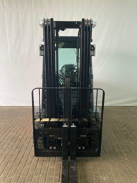 Toyota-52-8FDF30-Dieselstapler-www.eundw.com