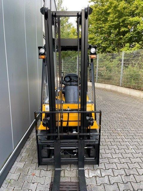 Hyundai-18D-7E-Dieselstapler-www.eundw.com