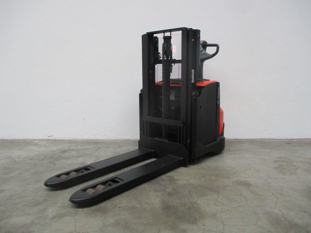 BT SWE200D Doppelstockstapler www.faller-stapler.de