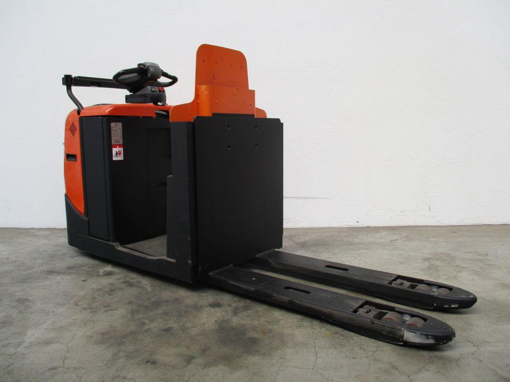 BT OSE250 Niederhubkommissionierer www.faller-stapler.de