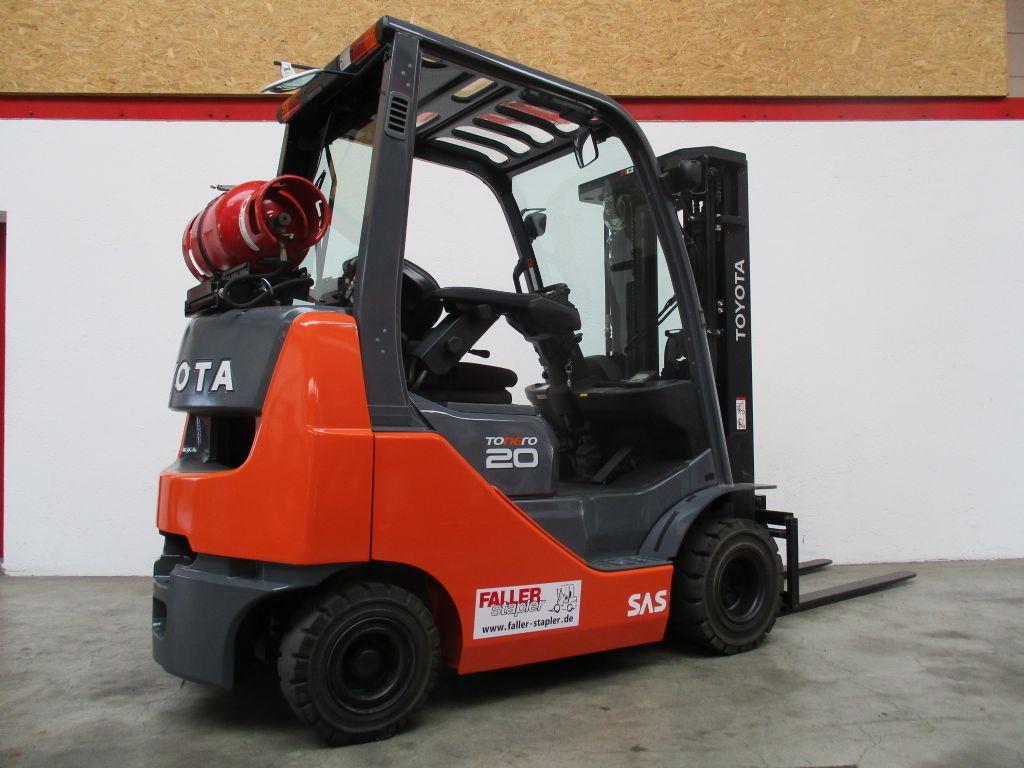 Toyota 02-8FGKF20 Treibgasstapler www.faller-stapler.de