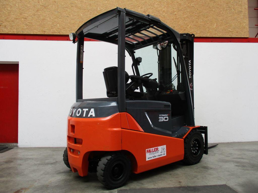 Toyota 8FBMKT30 Elektro 4 Rad-Stapler www.faller-stapler.de