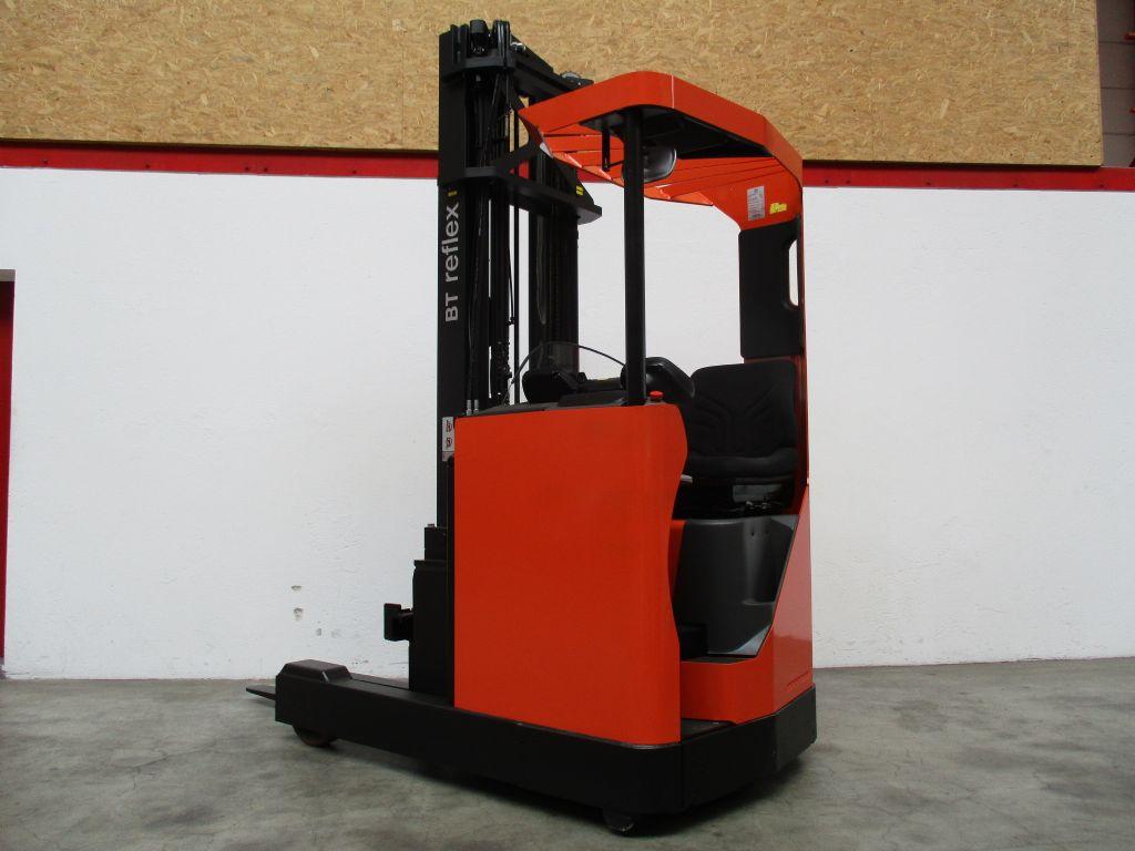 BT RRE140M Schubmaststapler www.faller-stapler.de