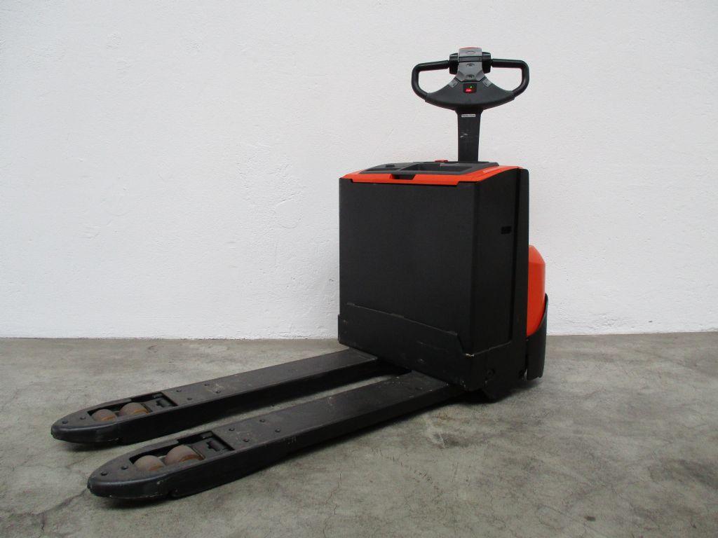 BT LWE180 Niederhubwagen www.faller-stapler.de