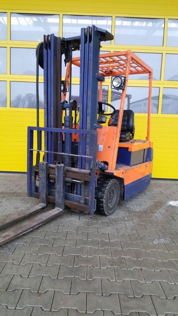 Komatsu-FB 18 M-2-Elektro 3 Rad-Stapler-www.fapco-germany.de