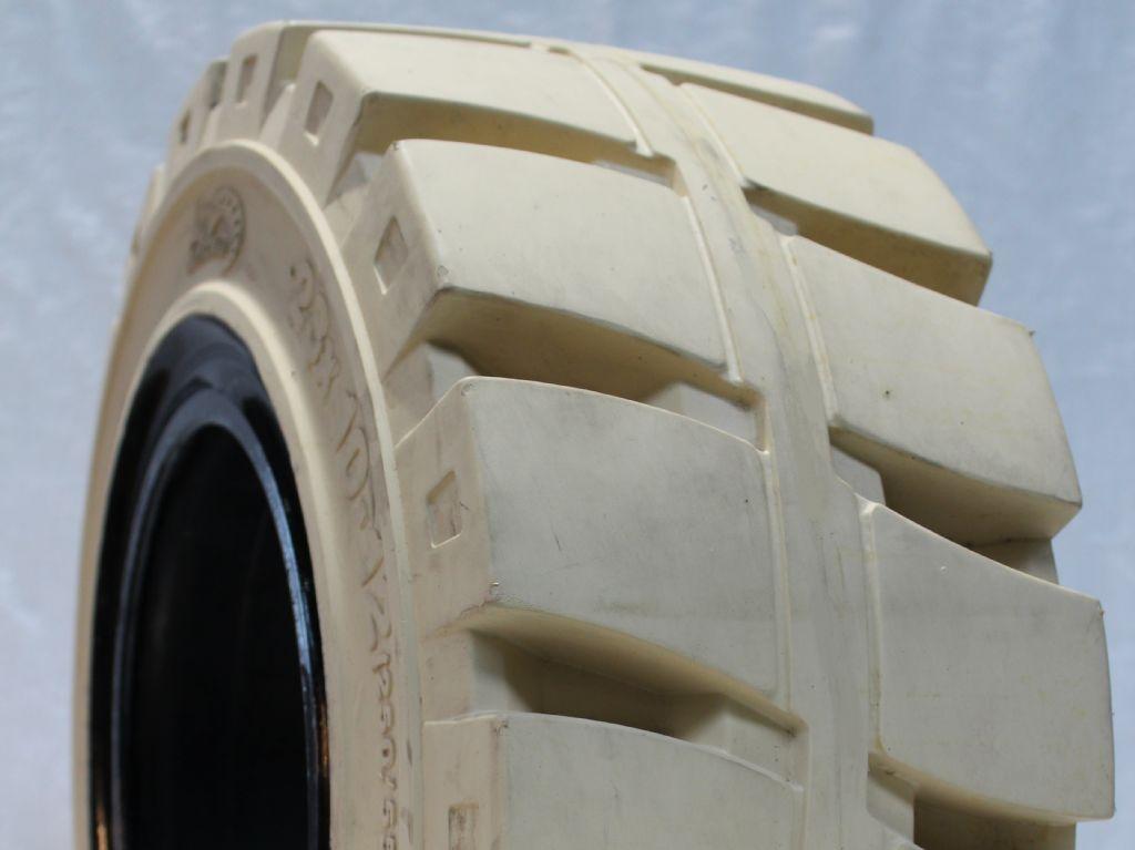 Emrald-140/55-9 mit Haltense Non-Marking-Reifen, Räder und Felgen-www.fapco-germany.de