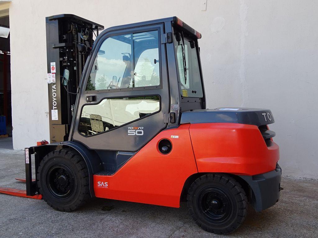 Toyota-40-8FD50N-Dieselstapler www.ffb-gabelstapler.de