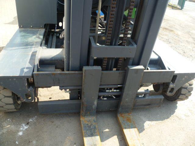 Combilift C4000 Vierwege Seitenstapler www.filler-gmbh.de