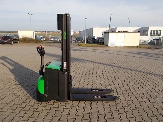 Cesab S212 Deichselstapler www.filler-gmbh.de