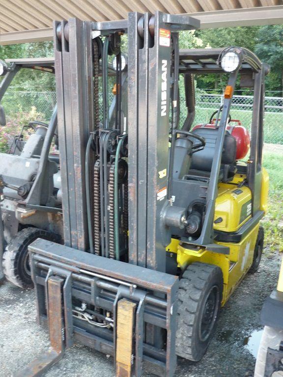 Nissan-UD 02 A 25 -Treibgasstapler-www.fischer-gabelstapler.de