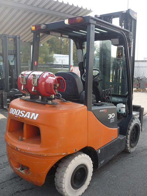 Doosan-G 30-Treibgasstapler-www.fischer-gabelstapler.de