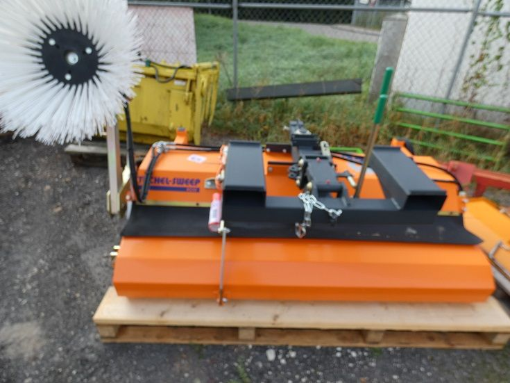 Tuchel-Eco 520 - 180-Kehrmaschine-www.fischer-gabelstapler.de
