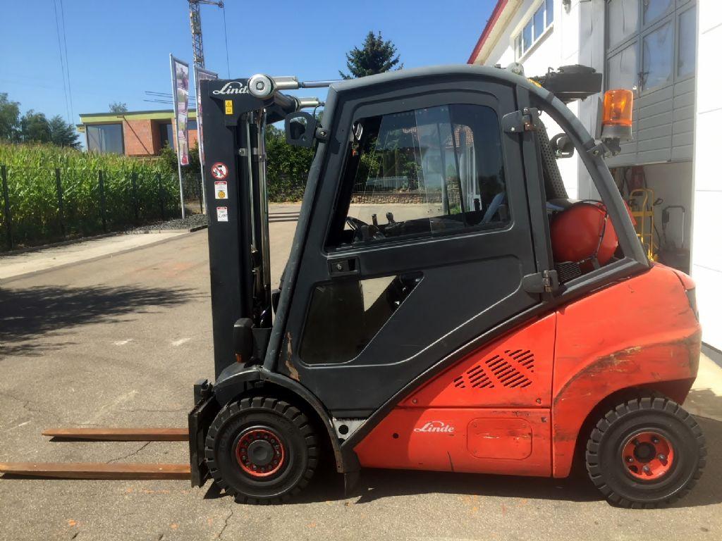 Linde-H 25 T-01 Triplex STVO Klima-Treibgasstapler-www.fleischmann-foerdertechnik.de
