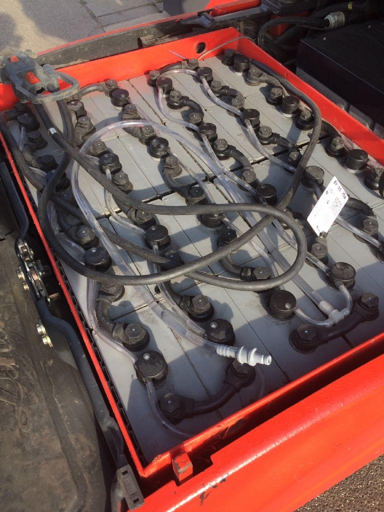 Linde-E 18 -01 Triplex Batterie Bj.14-Elektro 3 Rad-Stapler-www.fleischmann-foerdertechnik.de