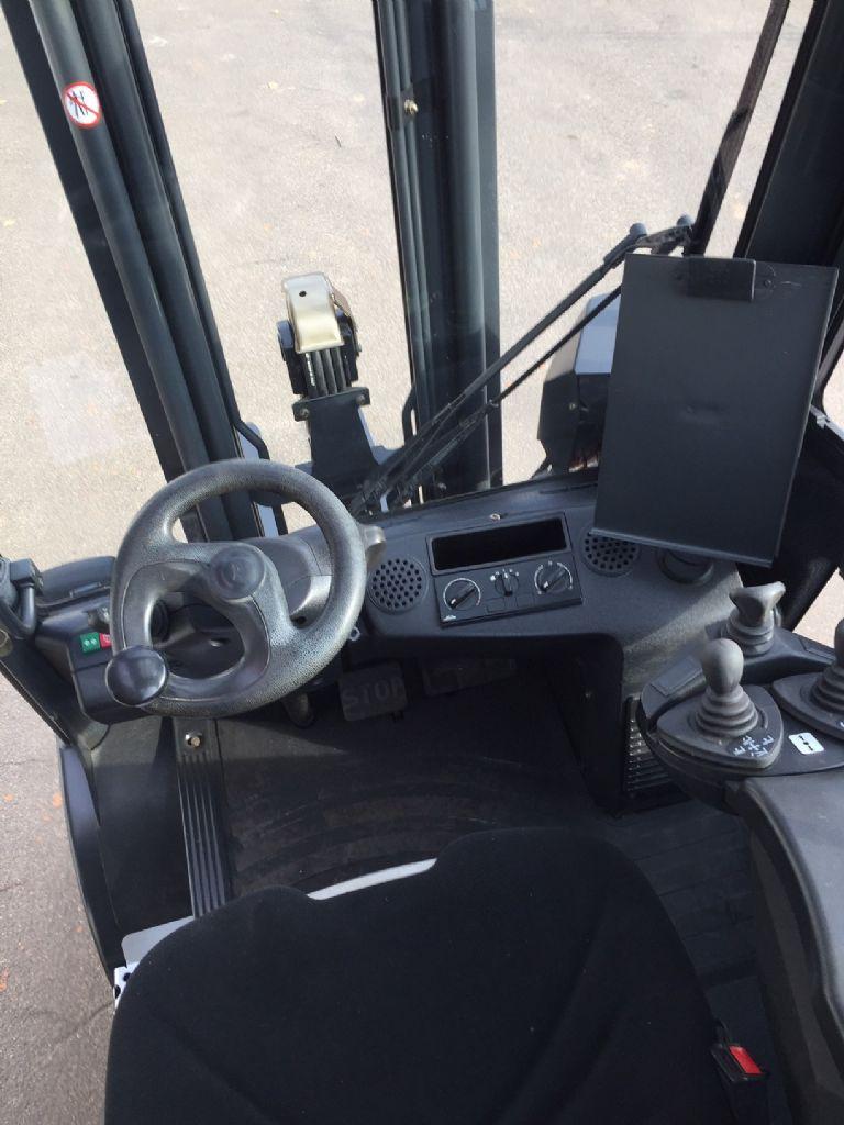 Linde-H 25 D-01 Triplex Kabine STVO-Dieselstapler-www.fleischmann-foerdertechnik.de