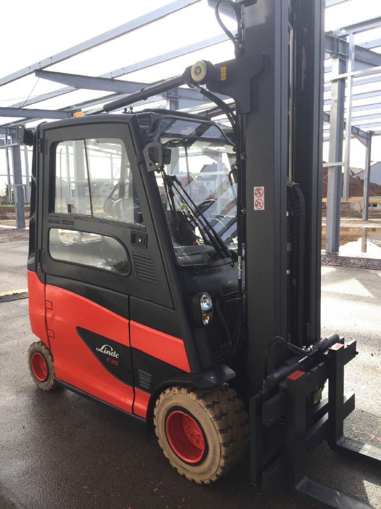 Linde-E 35 HL-01 Triplex Kabine STVO-Elektro 4 Rad-Stapler-www.fleischmann-foerdertechnik.de
