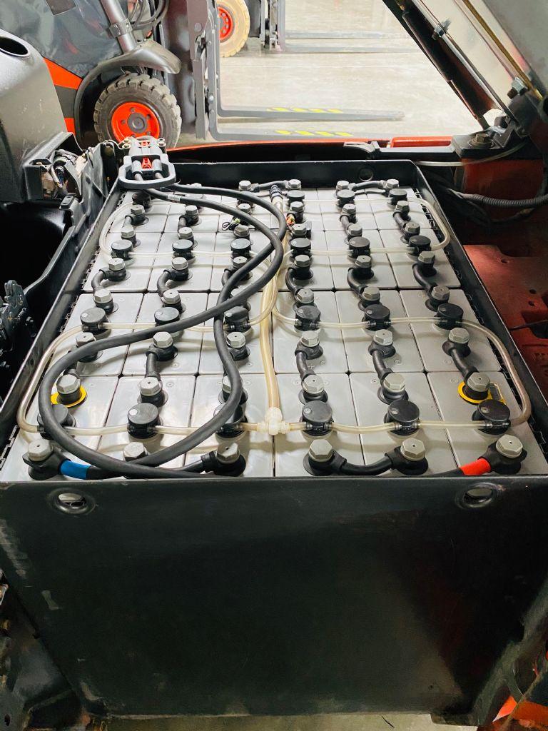 Linde-E 16-01 Triplex Batterie Bj.15-Elektro 3 Rad-Stapler-www.fleischmann-foerdertechnik.de