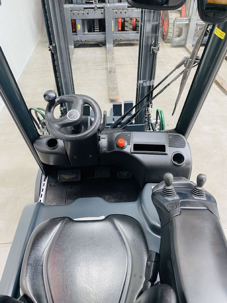 Linde-E 20 PL-02 EVO Batterie Bj.2019-Elektro 4 Rad-Stapler-www.fleischmann-foerdertechnik.de
