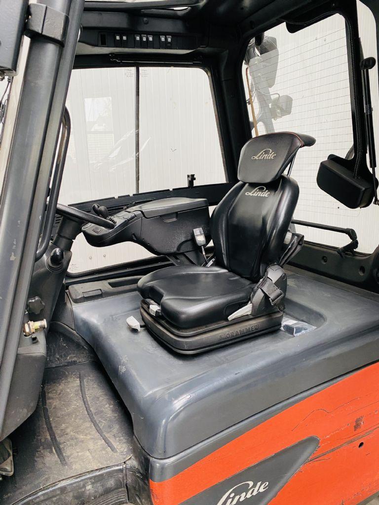 Linde-E 30 L-01 Triplex Kabine -Elektro 4 Rad-Stapler-www.fleischmann-foerdertechnik.de