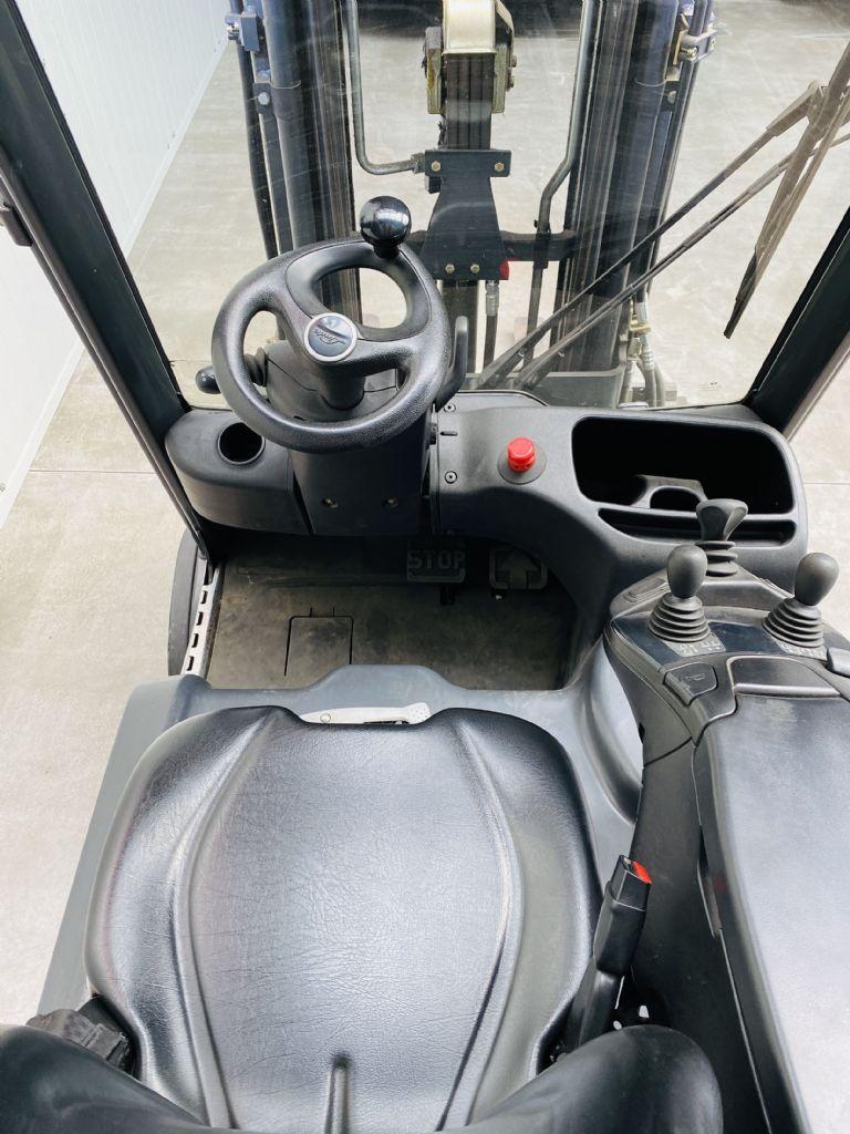 Linde-E 18-02 EVO -Elektro 3 Rad-Stapler-www.fleischmann-foerdertechnik.de