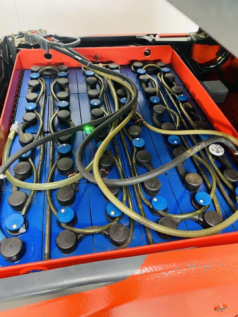 Linde-E 16-02 EVO -Elektro 3 Rad-Stapler-www.fleischmann-foerdertechnik.de