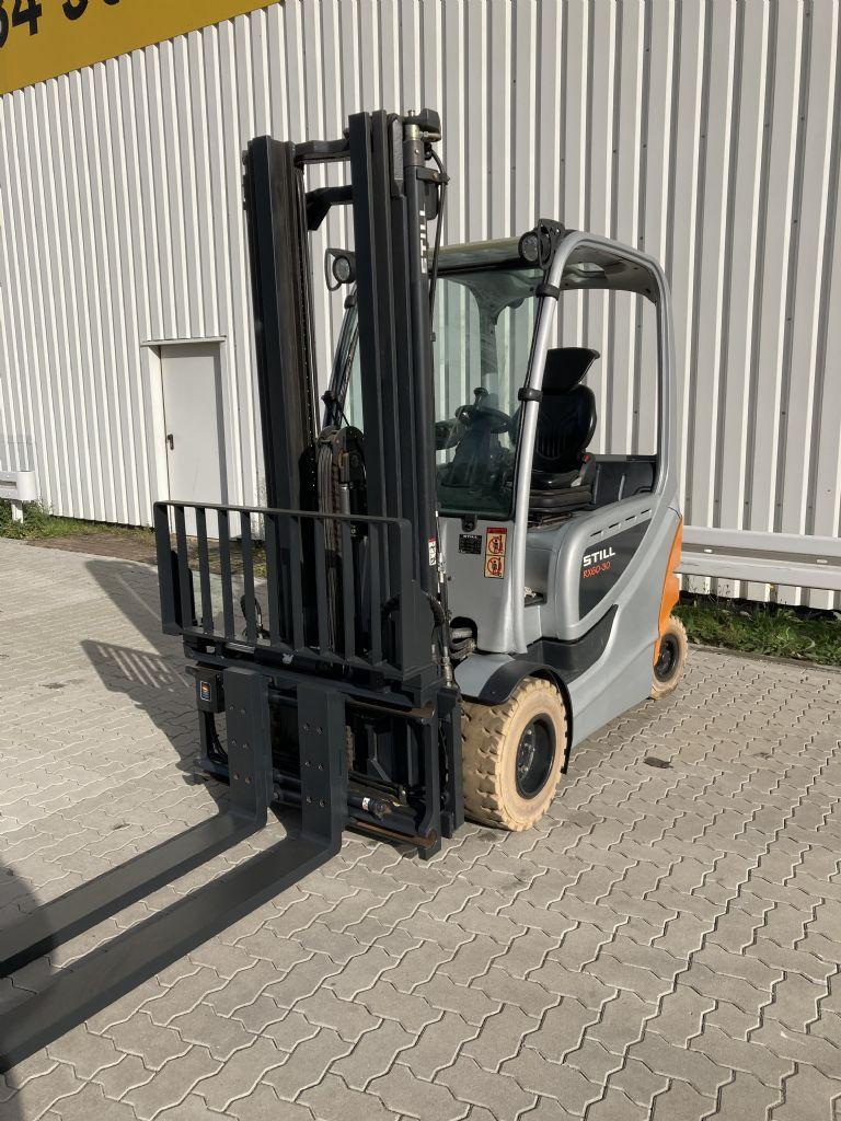 Still-RX 60-30 / 8244 Std.-Elektro 4 Rad-Stapler-www.forkliftcenter-bremen.de