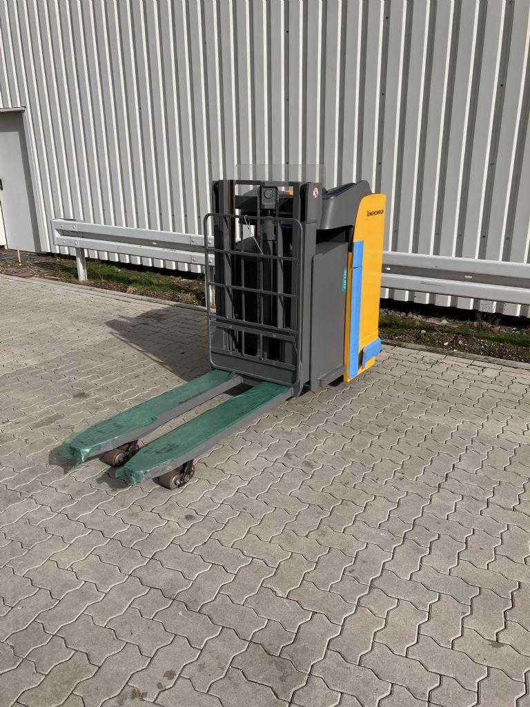 Jungheinrich-ESD 120 / 1 Std. -Hochhubwagen-www.forkliftcenter-bremen.de