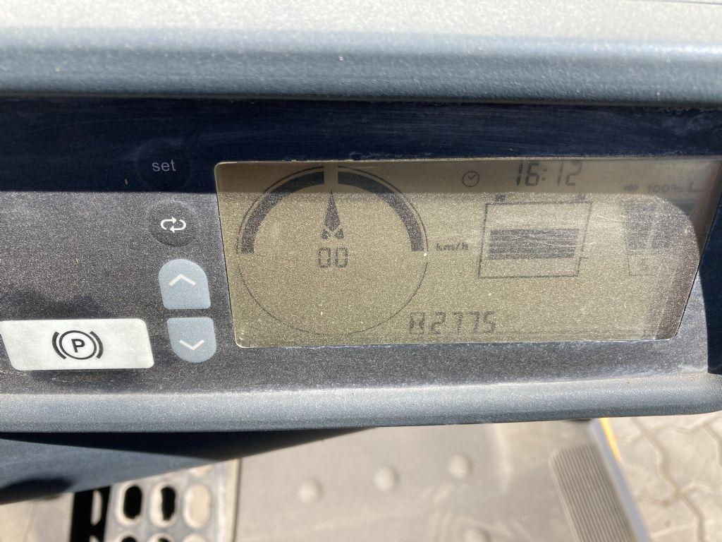 Jungheinrich EFG 320 / 2774 Std.  Elektro 4 Rad-Stapler www.forkliftcenter-bremen.de