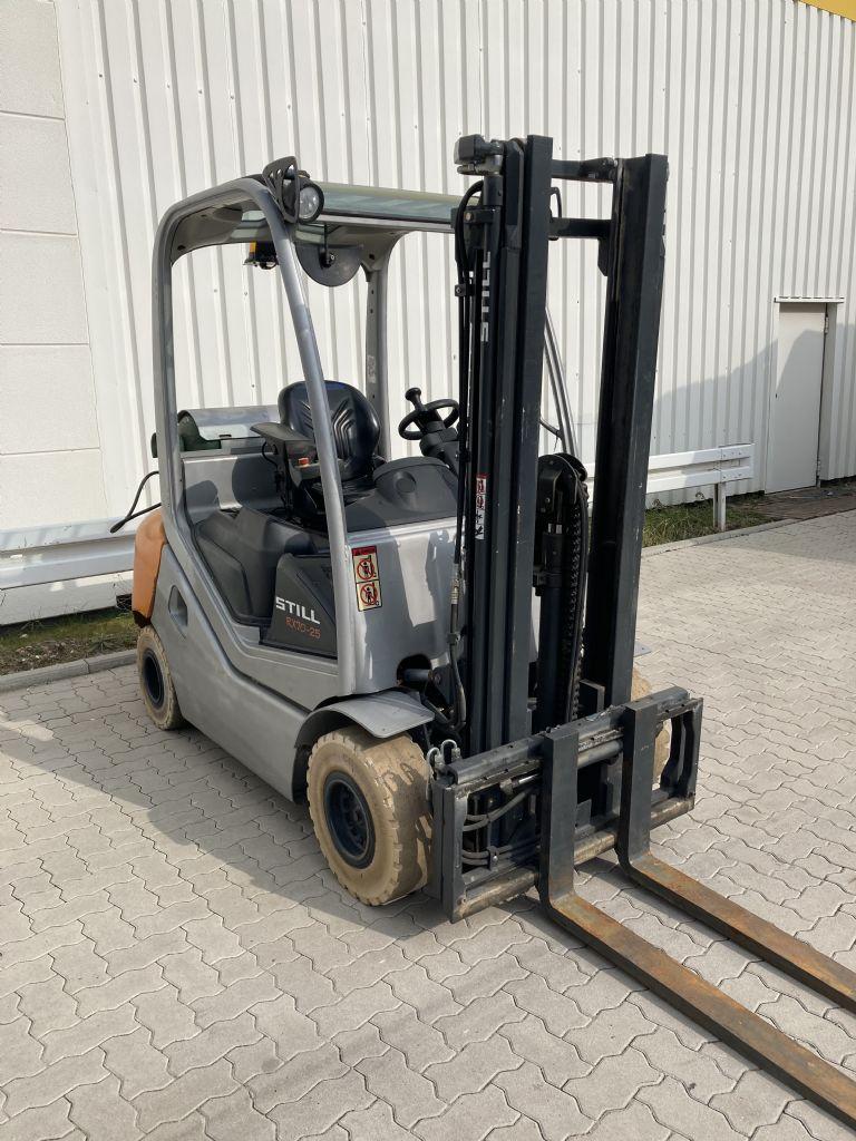 Still RX 70-25 T / 4875 Std. Treibgasstapler www.forkliftcenter-bremen.de