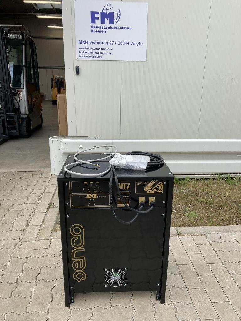 *Sonstige-24 / 100-Ladegerät-www.forkliftcenter-bremen.de